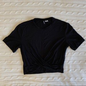Tops - H&M Black Crop Twist Tee